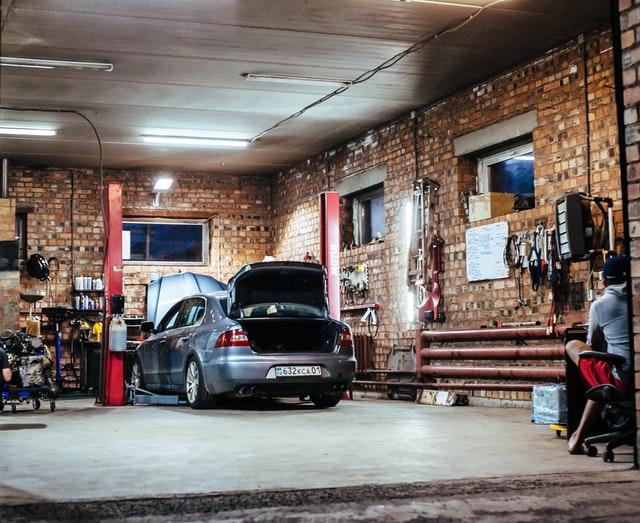big garages for rent